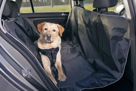 trixie-car-seat-cover-black